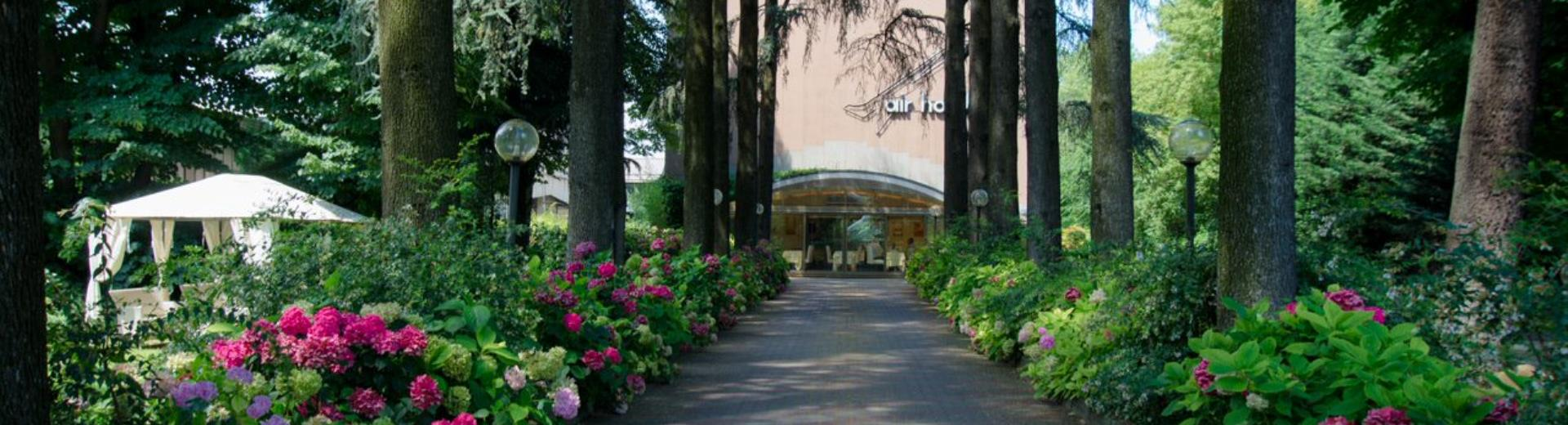 The BW Air Hotel Linate is just 500 metres from Milano Linate airport, in the countryside, for a stay of comfort and relaxation.