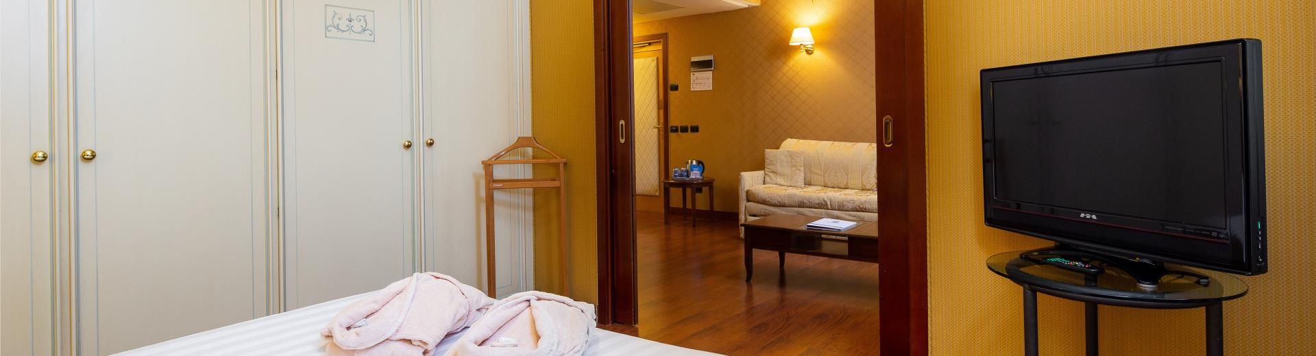 If you''''re travelling with family or friends and looking for accommodation near Milan Linate Airport, choose the Family Rooms of BW Air Hotel Linate: space, comfort and 4-star amenities just 500 meters from the airport!