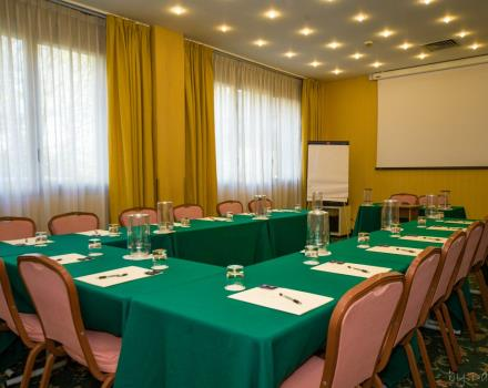 Organize your meeting at BW Air Hotel Linate: just 500 metres from the airport, offers you a convenient free shuttle service!