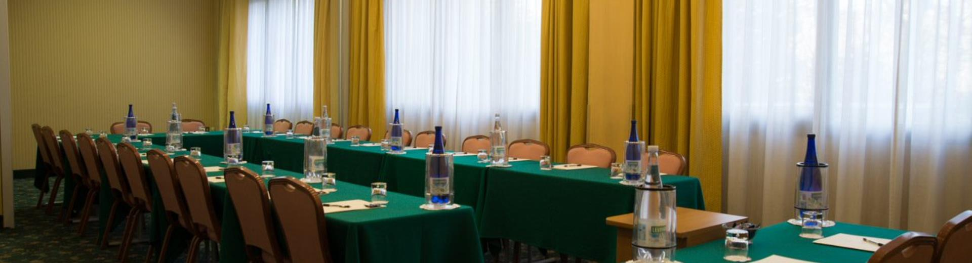 Air Hotel Milano Linate features 6 meeting rooms for up to 130 people: choose the best solution for you and book now!