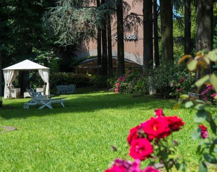 Air Hotel Milano Linate is surrounded by greenery, for a stay of comfort and relaxation close to Linate airport